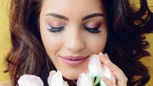 El microblading permite no preocuparse por maquillas las cejas durante un buen tiempo.