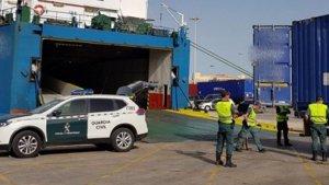 El polizón de 24 años ha sido atropellado cuando intentaba colarse en un barco