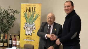 El president de la Cambra de Comerç de Valls, Marcel·lí Morera, fent oficial l'acord de patrocini.