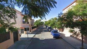 El robatori va tenir lloc en una casa del carrer de Josep Clarà de Cambrils.