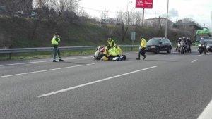 El taxista de 30 años fue atropellado en la A-2