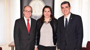 Encarna Orduno, al mig, nova vicepresidenta del Consell dels Il·lustres Col·legis d'Advocats de Catalunya