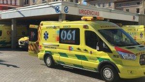 Imagen de una ambulancia del 061 de Cantabria