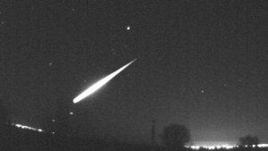Imagen del bólido que se pudo observar en el sur del país la noche de Reyes
