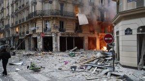 Imagen del incendio y los destrozos que ha provocado la explosión en Paris
