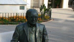 Imatge d'arxiu de l'escultura de Vicent Andrés Estellés