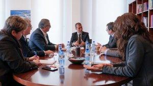 Imatge de la reunió entre el Presiedent del Port i els membres de la Dow Tarragona