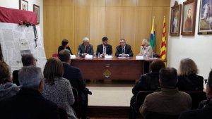Imatge de l'acte d'homenatge de l'Ajuntament de Riudoms a Joan Guinjoan