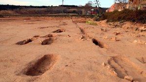 Imatge de les tombes que conformen la necròpolis ubicada al jaciment de Vilardida, a l'Alt Camp