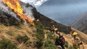 Imatge de l'incendi de les últimes hores a la Vall d'Aran