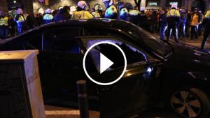 Imatge d'un dels vehicles de VTC atacat pels taxistes de Barcelona.