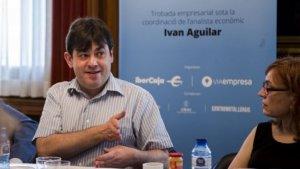 Ivan Aguilar va inflar el seu currículum i va mentir dient que era doctor en economia