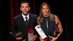 Jordi Alba i Jessica Vall, amb els seus premis durant la Festa de l'Esport Català.