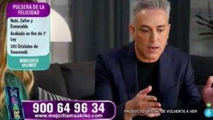 Kiko Hernández ejerciendo de presentador en 'Mejor llama a Kiko'