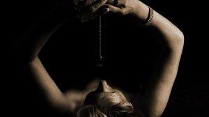 La hipnosis puede auto-inducirse después de un proceso de entrenamiento.