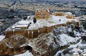 La neu ha arribat fins a la mateixa ciutat d'Atenes