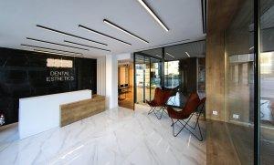 La nova clínica Dental Esthetics va obrir portes a l'avinguda de Sant Jordi de Reus