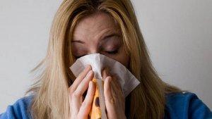 La vacuna puede reducir el riesgo de contraer gripe entre un 50% y un 60%.