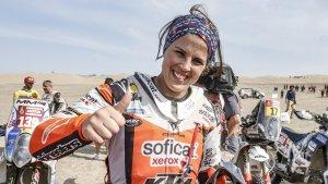 Laia Sanz celebra la seva onzena posició en el Dakar 2019.