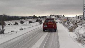 Les llevaneus treballen en les carreteres de l'interior de la província de Castelló
