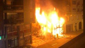 L'incendi hauria estat provocat per l'explosió d'un còctel molotov