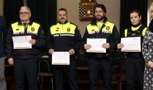 Pla general on es poden veure l'alcalde de Mollerussa, Marc Solsona, i alguns dels agents de la Policia Local