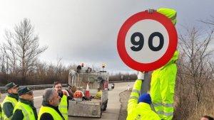 Se han cambiado unas 30 señales de 100 km/h a 90 km/h en las carreteras asturianas