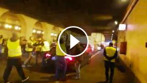 Taxistes ataquen un cotxe VTC a la Ronda Litoral