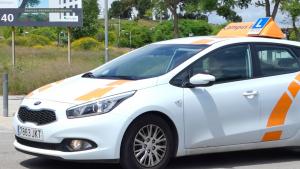 Un cotxe de l'Autoescola Campus B