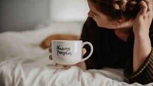 Una colección de frases de buenos días para amanecer de la mejor manera.