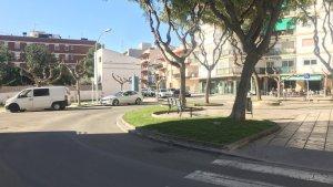 Una de les idees inicials del govern passa per realçar l'espai central de la plaça respecte a la calçada, per on passen els vehicles.