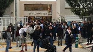 Una imatge de la jornada del referèndum de l'1-O a l'escola Antoni Roig de Torredembarra.
