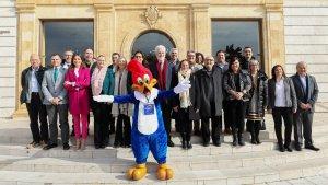 Una imatge dels representants de tots els ens signants de l'acord, aquest matí a la Diputació de Tarragona.