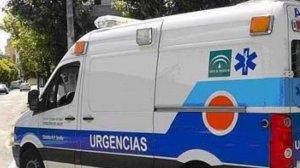 Una mujer de Almería se precipita desde un tercer piso al intentar acceder a su vivienda