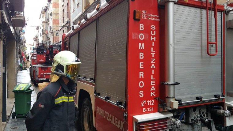 Los bomberos tuvieron que excarcelar a uno de los heridos del vehículo