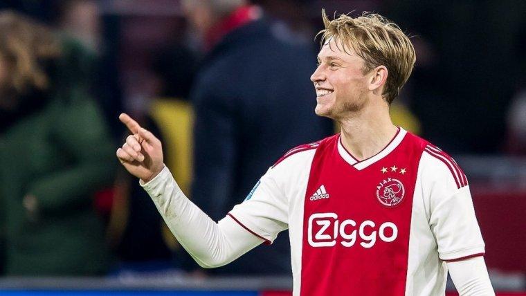 De Jong, durant un partit amb l'Ajax.
