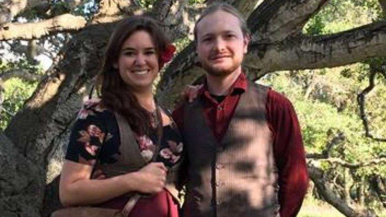 Imatge de la parella que cuida actualment l'East Brother Light Station