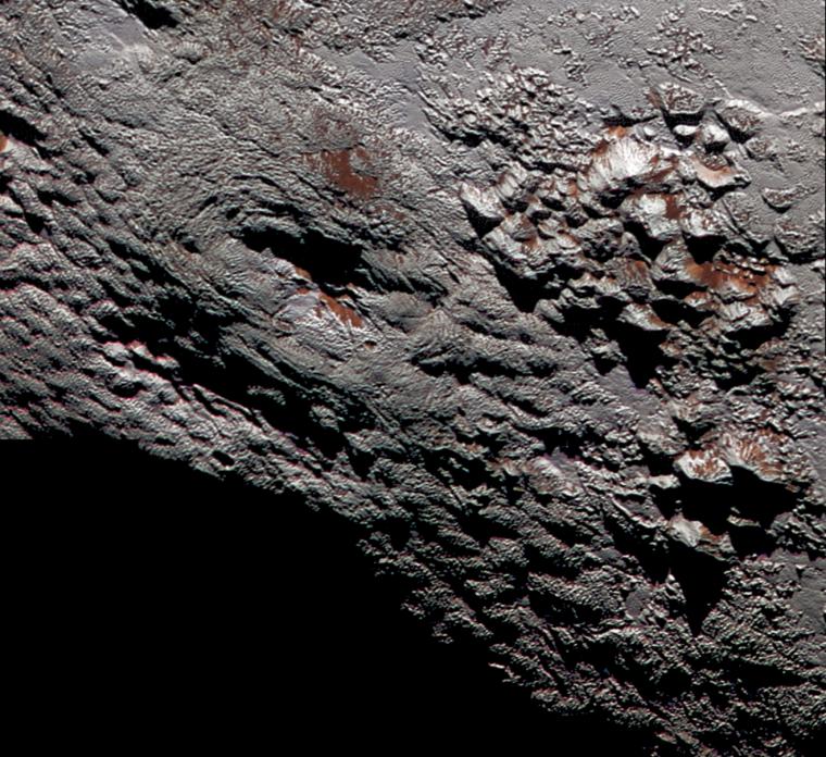 Imatge de la superfície de Plutó obtinguda per la sonda New Horizons el 2015