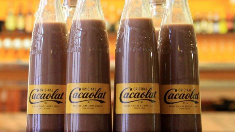 Unes quantes botelles de Cacaolat.
