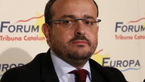 Alejandro Fernández, durant l'esmorçar informatiu a Barcelona