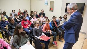 Alfredo Vega ha rebut les delegacions de diferents centres escolars de Terrassa