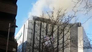 Imagen del incendio en el Corte Inglés de Zaragoza