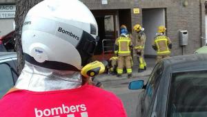 Bombers a l'incendi d'una cuina al carrer Torres Jordi de Tarragona