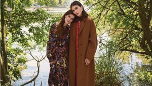 Campaña editorial de Mango otoño - invierno 2019 con el abrigo 'handmade'
