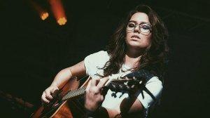 Carlota López és la guitarrista de Duncan Laurence, el representant holandès a Eurovisió 2019