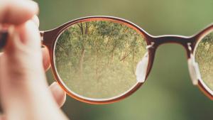 Conocemos qué es el astigmatismo y cómo se puede corregir.