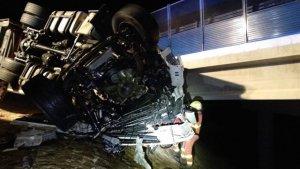 El conductor ha muerto en el lugar del accidente como consecuencia del impacto
