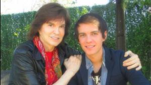 El joven desmiente a su madre y muestra su apoyo a su padre
