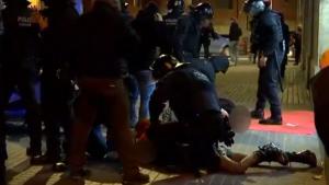 Els Mossos d'Equadra van detenir una persona en la protesta contra Vox a Barcelona