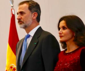 Els Reis posen fi al viatge oficial en el Marroc